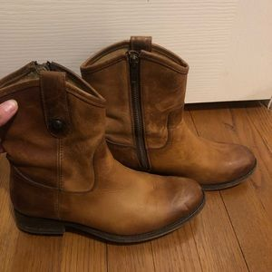 Frye Melissa Button Short Boot (sz 6.5)